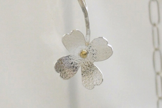 silver_flower_necklace_2